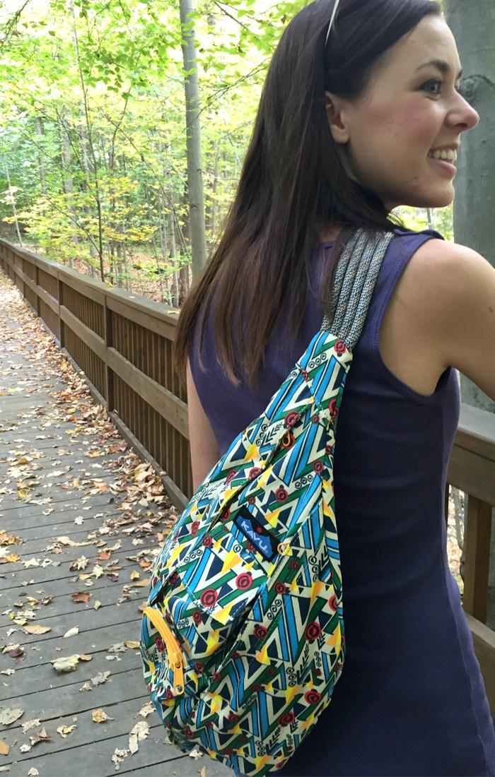 ngăn đựng điện thoại và chìa khóa cực kỳ tiện lợi của túi đeo chéo kavu rope bag